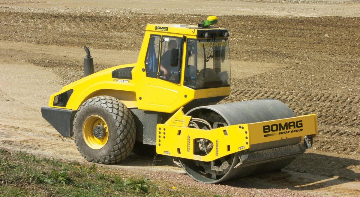 Заказать аренду катка Bomag BW214 DH-4