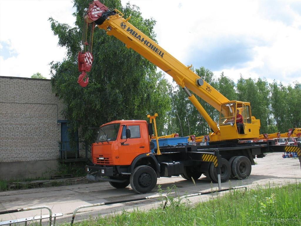 Аренда автокрана Ивановец КС-45717К-1, 25т в Московской области