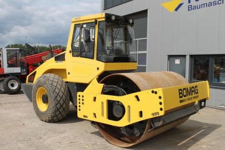 Заказать аренду катка Bomag BW211 D-4 в Москве
